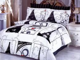 image of eiffel tower bedding set