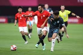 المنتخب الأولمبي يتعادل سلبيًا مع الأرجنتين في «شوط» الفرص الضائعة