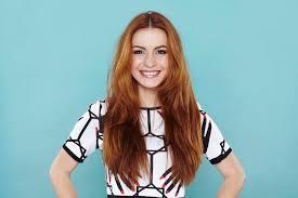 Potongan rambut yang bagus dan cocok akan mempengaruhi tingkat percaya diri seseorang. 19 Variasi Model Rambut Layer Panjang Terpopuler