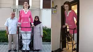 Dünyanın en uzun boylu kadını' Rumeysa Gelgi, Guinness Rekorlar Kitabı'na  girdi - Haberler