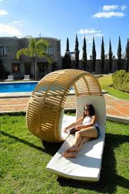 10 Unique Outdoor Seating Options