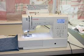 The 8 Best Sewing Machines for Quilting in 2017 - The Rhythm of ... & The 8 Best Sewing Machines for Quilting in 2017 - The Rhythm of the Home Adamdwight.com