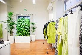 What are Green <b>Walls</b> - the definition, benefits, design and greenery