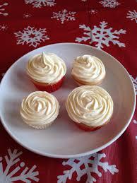 Decorating Cupcakes With Wilton Dessert Decorator Plus Lynn Beach