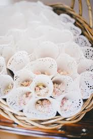 paper cones wedding. 🔎zoom paper cones wedding