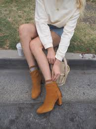 Designing Women The Fur Flies Taylr Anne In The Wolfe Fly Boots Boots Winter Fashion