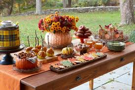 Thanksgiving Table Decor With Autumn Theme