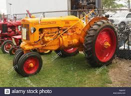Traktor - 1951 Minneapolis Moline Model ZA. Canfield Fair. Mahoning County  Fair. Canfield, Youngstown, Ohio, USA Stockfotografie - Alamy