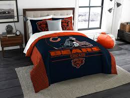 represent your team and sleep soundly with the soft and comfortable chicago bears draft king comforter set designed with official team logos this vibrant