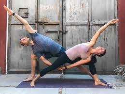 couples yoga poses 23 easy um