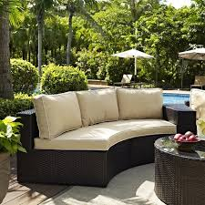 outdoor wicker seating