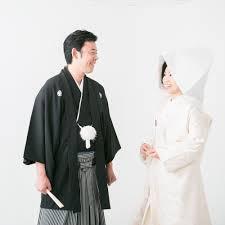 綿帽子と角隠し洋髪も魅力的和装花嫁のウェディングフォト