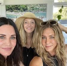 The daughter of actors john aniston and nancy dow, she began wo. Jennifer Aniston Jenniferannistn Twitter