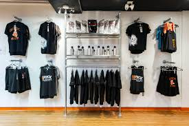 Apparel Display Stands 100 DIY Retail Display Ideas from Clothing Racks to Signage 24