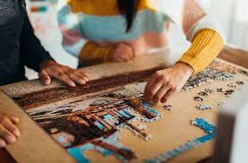 Thousands of free online jigsaw puzzles are suitable for both kids and adult! 14 Top Jigsaw Puzzles Games And Books To Keep Travelers Entertained Travel Us News