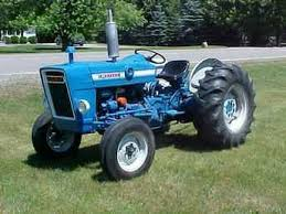 identifying old ford tractors if your tractor looks something like this one it is a 1965 or newer 3 cylinder model and is beyond the scope of this webpage