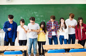 how professors can get students to put down their cellphones in how professors can get students to put down their cellphones in class essay