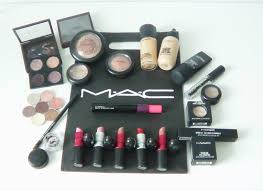 mac cosmetics mac favorites mac essentials depotting back2mac mac foundations extensive makeup kit