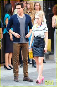 AnnaSophia Robb: 'Carrie Diaries' Kiss with Chris Wood! | Carrie bradshaw  outfits, Carrie bradshaw style, Fashion tv