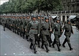 """Résultat de recherche d'images pour """"défilé allemand paris 1940"""""""