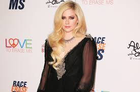 avril lavigne promises new al will be out this year it s a really powerful record billboard