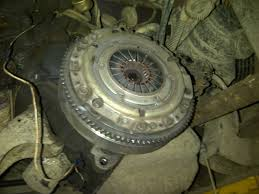 bobs shop cushman truckster gas clutch replacement the manual says it s a 2 person job but i m able to do it alone this way not to much problem transmission i m guessing weighs 25 to 30 lbs