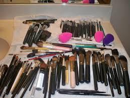 makeup artist series storing makeup brushes on a gig