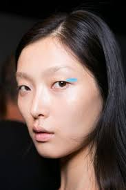all of the best eye makeup looks from the spring 2016 runway shows blue eyeliner