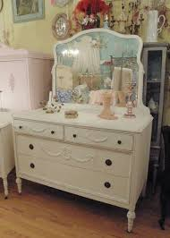 Before & After Annie Sloan Chalk Paint Dresser