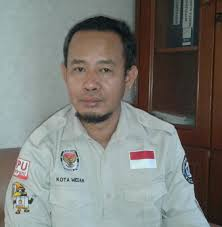Hasil gambar untuk gambar ketua KPU Medan Herdensi Adnin