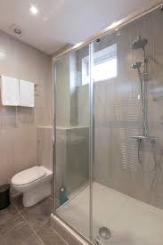 a bathroom at king room with private toilet near denmark hill st