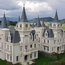 This Isn't a Future Disney Theme Park, Just the Burj al Babas Dream Castle  Ghost Town in Turkey – TechEBlog | Castle exterior, Sims house plans,  Fairytale castle