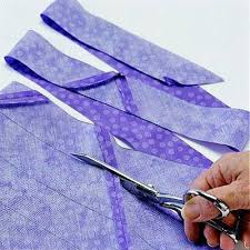 If you're binding around curved edges, you'll want to cut your ... & If you're binding around curved edges, you'll want to cut your binding  strips on the bias. Here are two ways to cut bias binding strips. | Quilts  ... Adamdwight.com