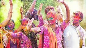 Holi Celebration in India: देशभर में होली के अनेक रंग, जानिए कहां कैसे खेली जाती है होली