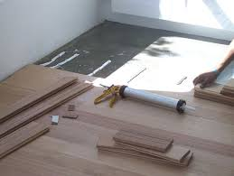 suloor over concrete installing hardwood flooring