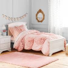 image of pink and white girls bedding