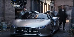 Mercedes-Benz AMG Vision Gran Turismo Featured in Justice League Movie