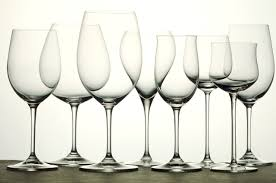 Shape of <b>Wine Glasses</b>: <b>Red</b> Wine vs. White Wine