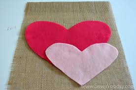 burlap felt heart garden flag sewing diy gardenflag valentinesday