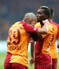Galatasaray'ı şampiyon yapan ikili: Feghouli & Onyekuru