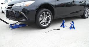 How to Jack Up a Toyota Camry - YouTube