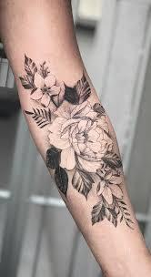 Tatuagens com flores, tatuagens de corações e tatuagens delicadas são as mais procuradas para tatuagens de mulheres, nesta primeira seleção estes são os focos. Tatuagens Femininas No Antebraco As 80 Melhores Ideias 1 Fotos E Tatuagens