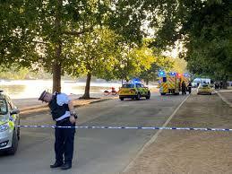 Hyde park bepaalt de nieuwe standaard. Four Men Arrested Over Suspected Stabbings In London S Hyde Park Uk News The Guardian