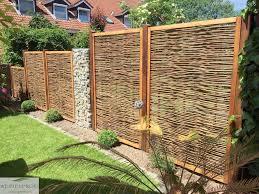Wenn Der Nachbar R Ber Schaut Sichtschutz Ohne Grenzen Holz Sichtschutz An Der Grundstucksgrenze