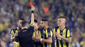 Dakikada valencia'ya yaptığı faul sonrası ikinci sarıdan kırmızı kartla ihraç edildi. Super Lig In En Hircini F Bahce Ve Malatya