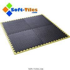 interlocking foam exercise mat with yellow borders