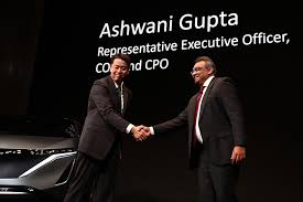 Gupta favored to take over from Ghosn at Nissan|Arab News Japan