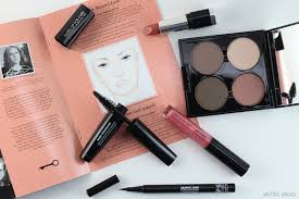 not only does the make up for ever give in to me makeup kit conn almost ping low full