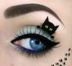 amazing make up artist creates super cute cat pictures on a unique canvas her eyes mirror