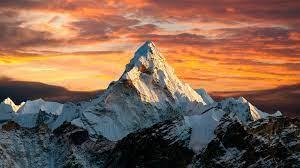 Mountain 4K Theme for Windows 10